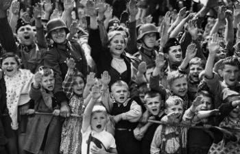 nazizm_dzieci_pz_600