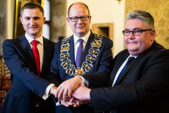 1352520-Prezydent-Pawel-Adamowicz-z-nowymi-zastepcami-Piotr-Grzelak-z-lewej-bedzie