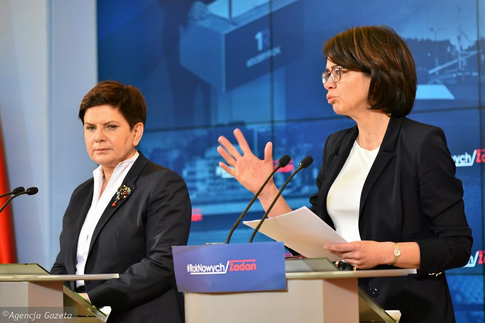 z21696849V,Premier-Beata-Szydlo-i-minister-cyfryzacji-Anna-St
