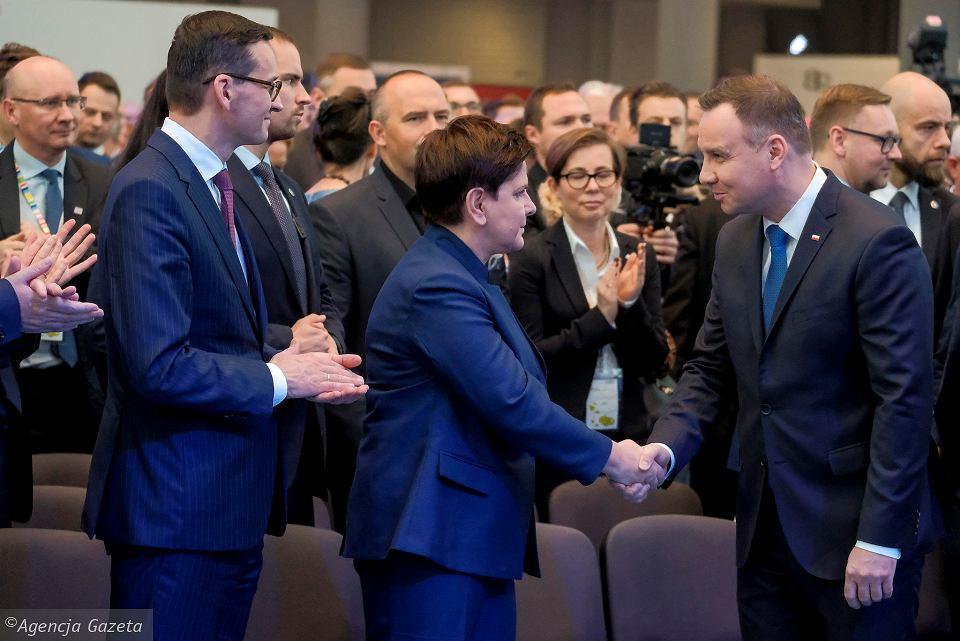 z22654673V,Premier-Beata-Szydlo-i-prezydent-Andrzej-Duda-podc