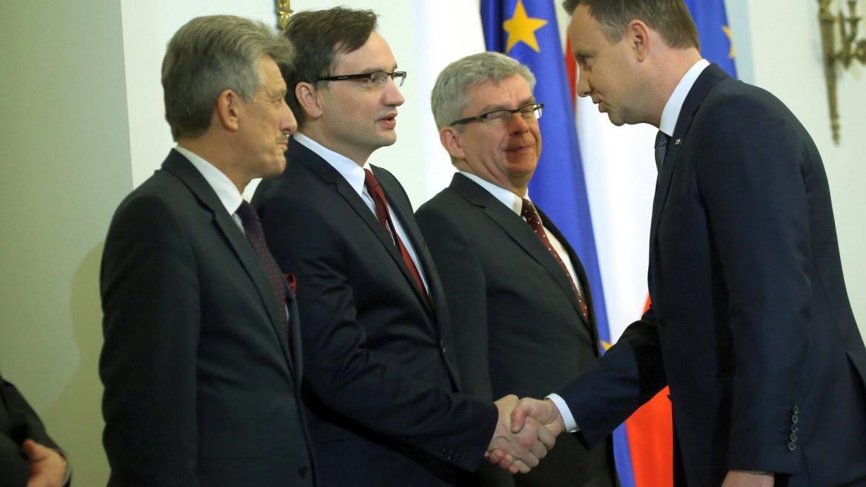 z19619996IER,Prezydent-RP-Andrzej-Duda-i-Zbigniew-Ziobro-podcza