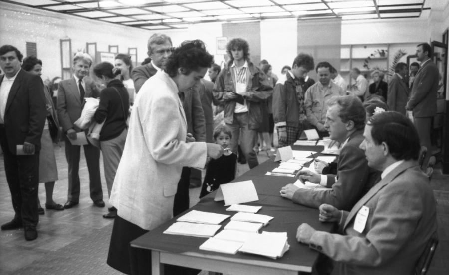 12369231-wybory-4-czerwca-1989-900-553