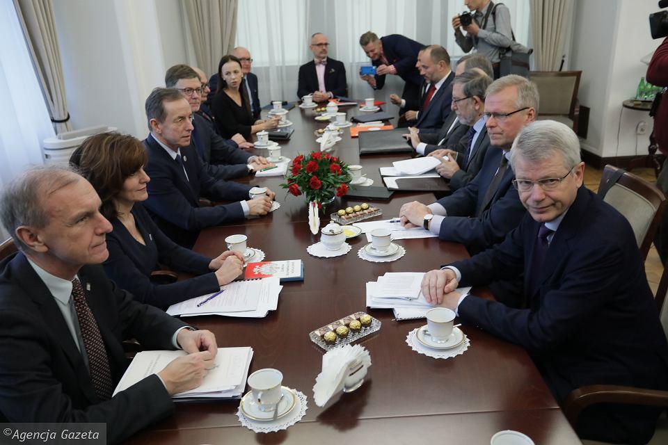 z25579522V,Wizyta-Komisji-Weneckiej-w-Senacie--09-01-2020