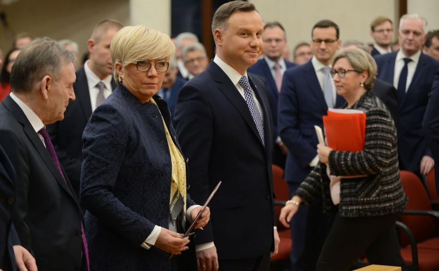 10648322-prezes-tk-julia-przylebska-i-900-556