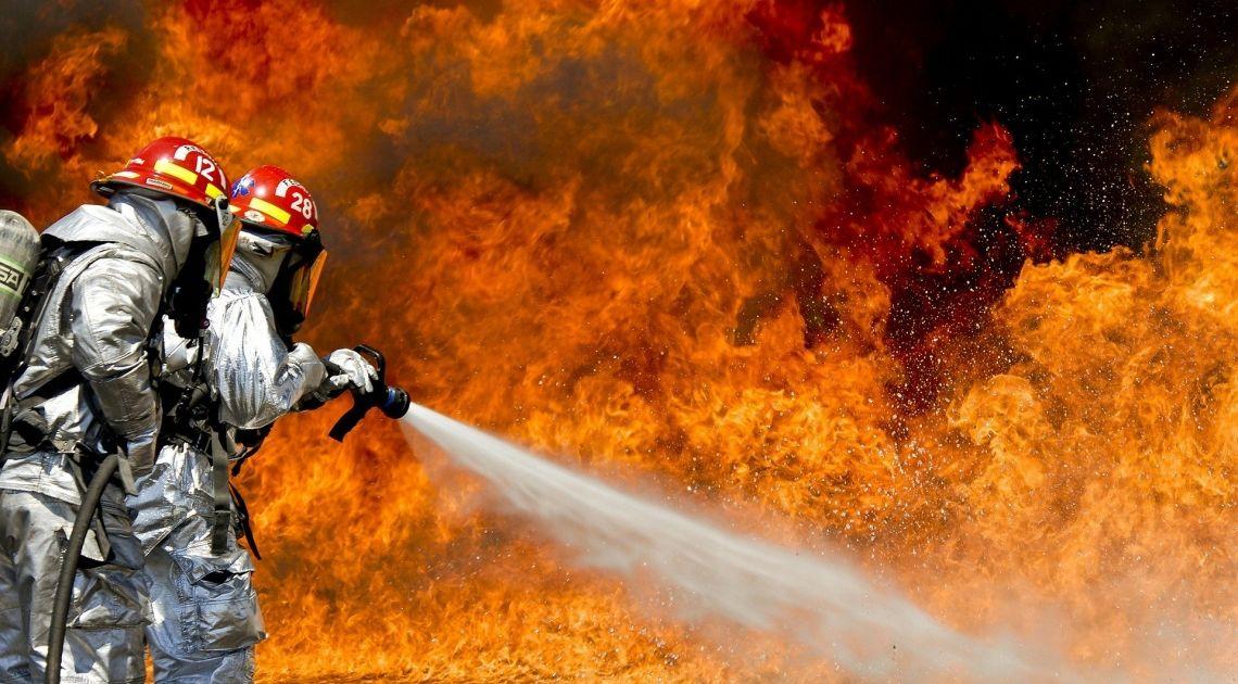 wig20-kolejny-raz-ostrzega-ze-gaszenie-pozaru-benzyna-moze-niebawem-stracic-skutecznosc