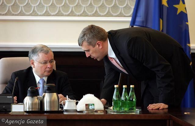 z7564432IH,Premier-Jaroslaw-Kaczynski-rozmawia-z-wicepremiere